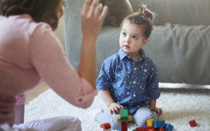 שילוב הורים במהלך הטיפול השפתי
